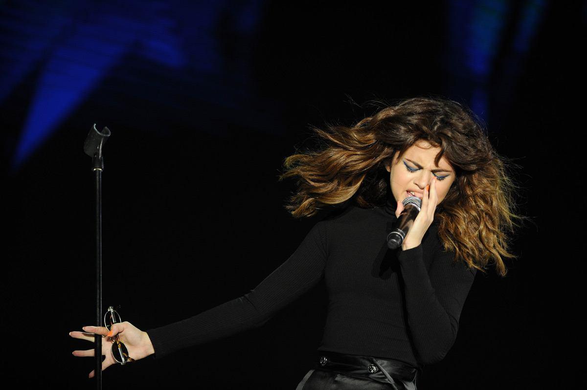 Selena Gomez Live In Malaysia Slide 2