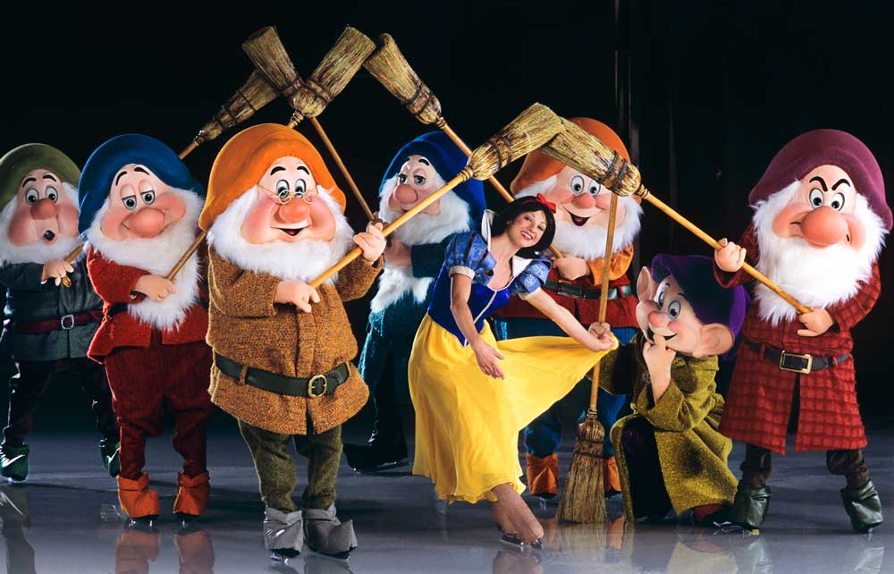 The Wonderful World of Disney On Ice Slide 7