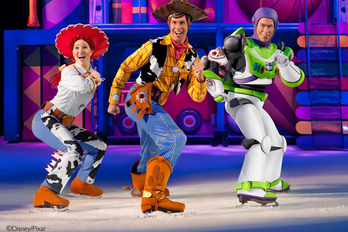 The Wonderful World of Disney On Ice Slide 5