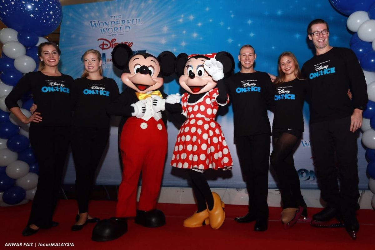 Exclusive Meet & Greet With Stars of Disney On Ice Slide 4